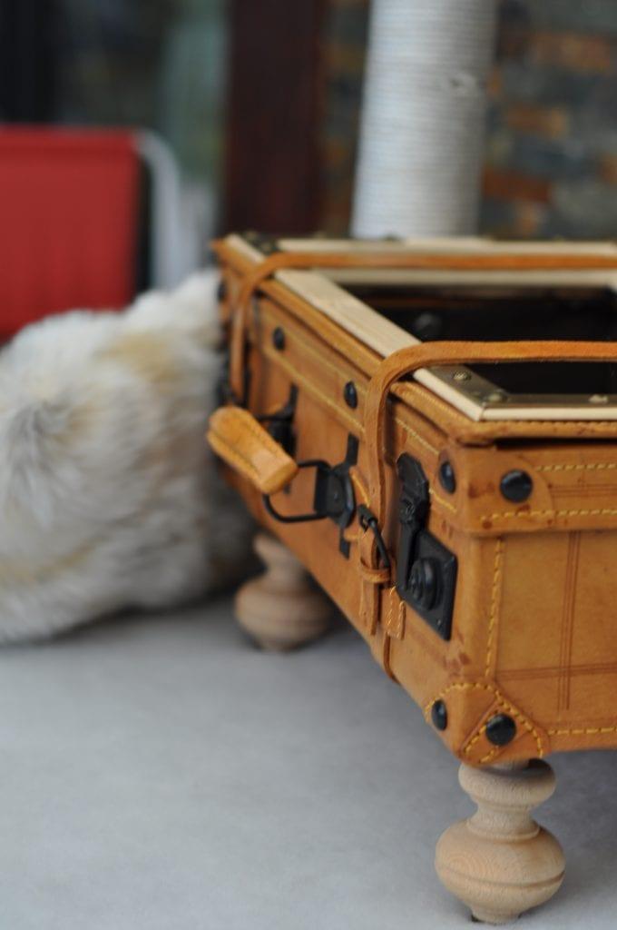 Unikat Kratzbaum Koffer Detail 3